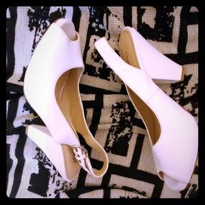 Chadwicks NEW sling back white heels shoes 8.5